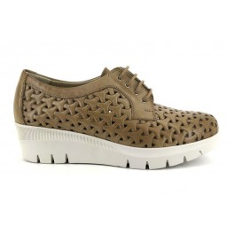 Zapatos con cordones de PITILLOS modelo 6680 color taupe