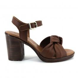 Sandalias de BRYAN modelo 626 color cuero