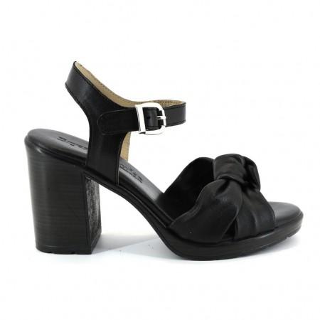 Sandalias de BRYAN modelo 626 color negro