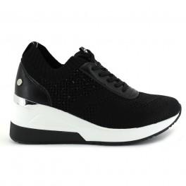Deportivo/casual de XTI modelo 42593 color negro