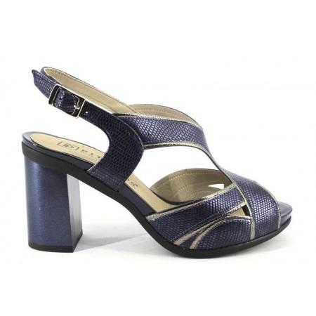 Sandalias de PITILLOS modelo 5582 color azul marino